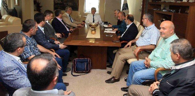 Başkan Karaosmanoğlu, İYC Kocaeli yönetimiyle bir araya geldi
