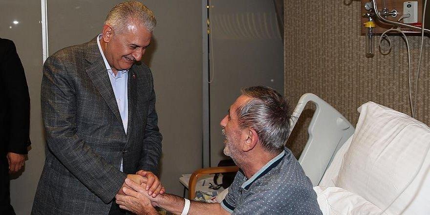 Başbakan Yıldırım, hasta ziyaretinde bulundu