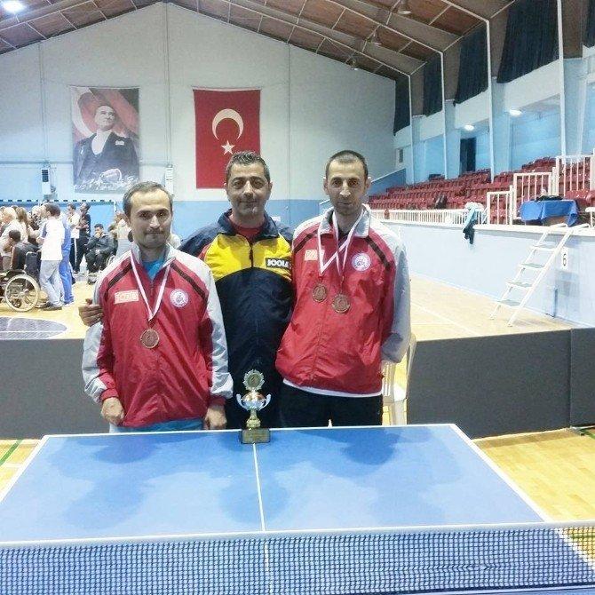 Hakkari masa tenisinde Türkiye üçüncüsü oldu
