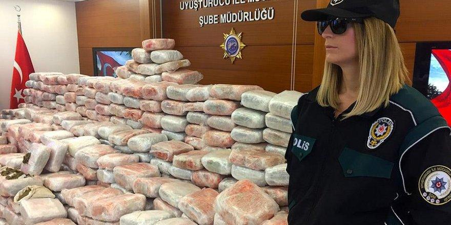 """İstanbul'da 1 ton 100 kilogram """"skank"""" ele geçirildi"""
