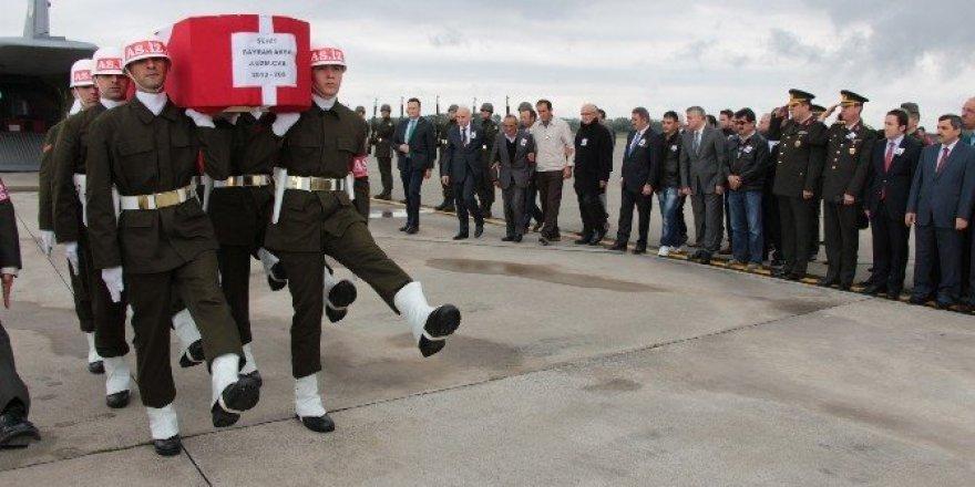 Şehit Uzman Çavuş Bayram Aksu'nun cenazesi Samsun'a getirildi