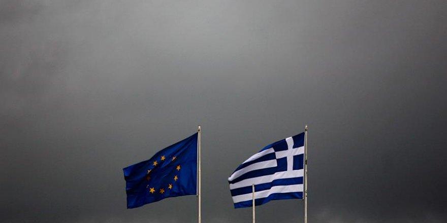 Yunanistan'a 2,8 milyar avro krediye yeşil ışık