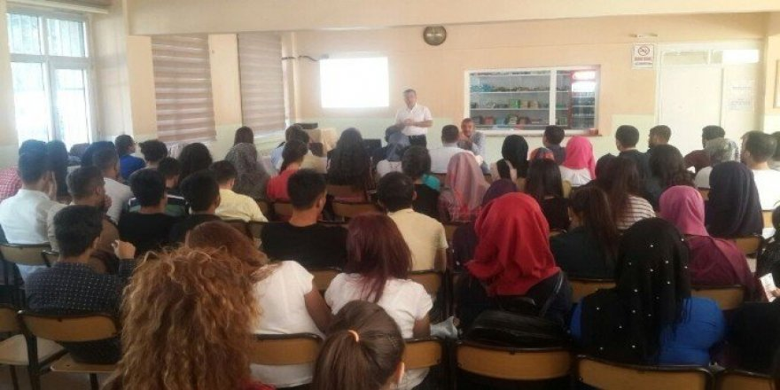 TÜİK'ten öğrencilere seminer