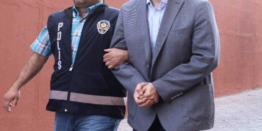 Uşak'ta 6 akademisyen FETÖ'den gözaltına alındı