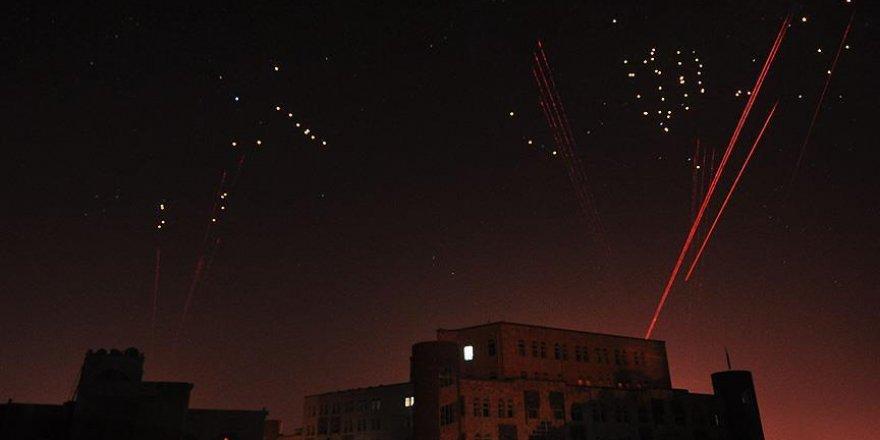 ABD Yemen'de Husi mevzilerini vurdu