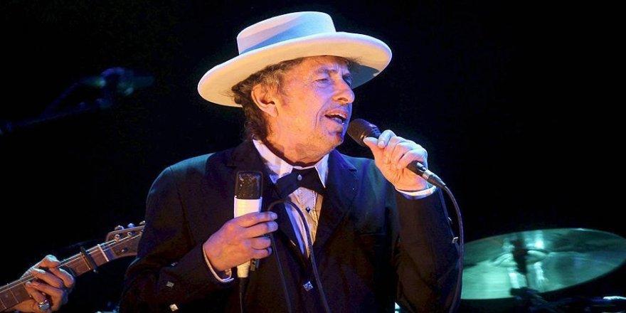 Nobel Edebiyat Ödülü'nün sahibi Bob Dylan oldu