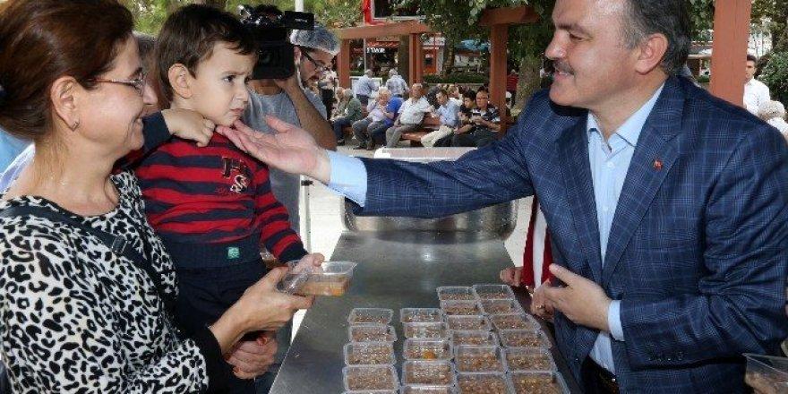 Pamukkale Belediyesi'nden 2 bin kişilik aşure ikramı