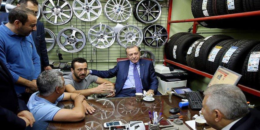 Erdoğan ve Yıldırım'dan esnaf ziyareti