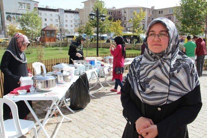Vanlı kadınlardan 'Halep' için kermes