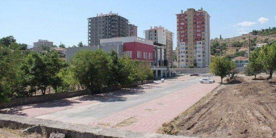 Kayseri'de cami, cemevi ve maşatlık bir arada
