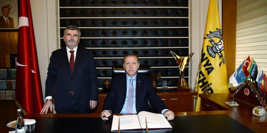 Erdoğan Konya Büyükşehir Belediyesi'ni ziyaret etti