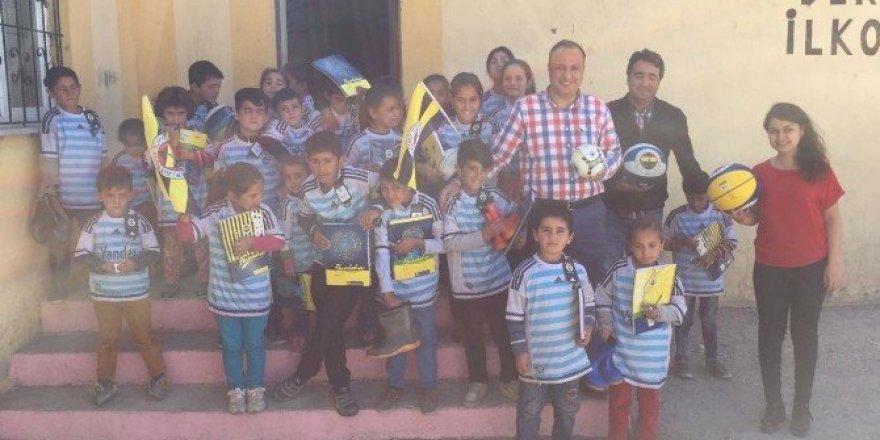 Fenerbahçe Spor Kulübü Gaziantep Şubesi, öğrencileri sevindirdi