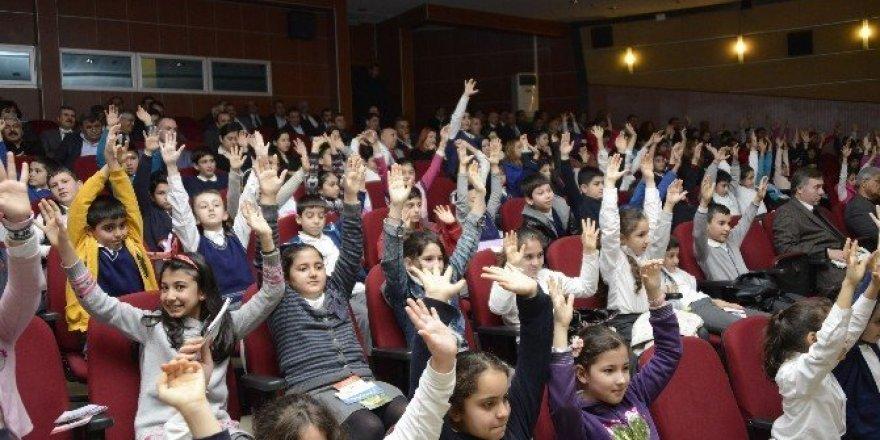 Çocuk istismarı ile eğitimli mücadele