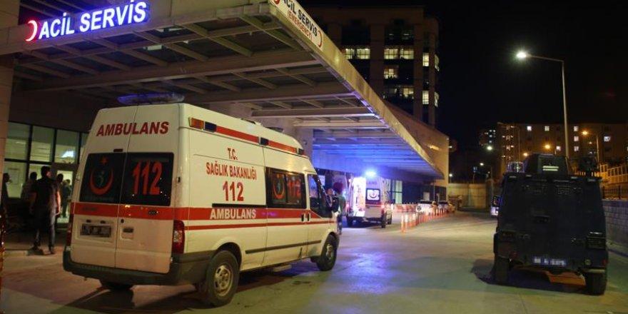 Tunceli'de askeri araç şarampole devrildi
