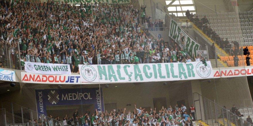 Konyaspor taraftarı İstanbul'a çıkarma yaptı