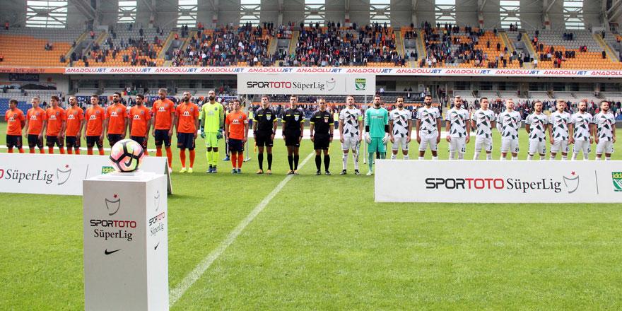 Konyaspor - Başakşehir maçında 22 futbolcunun 17'si Türk