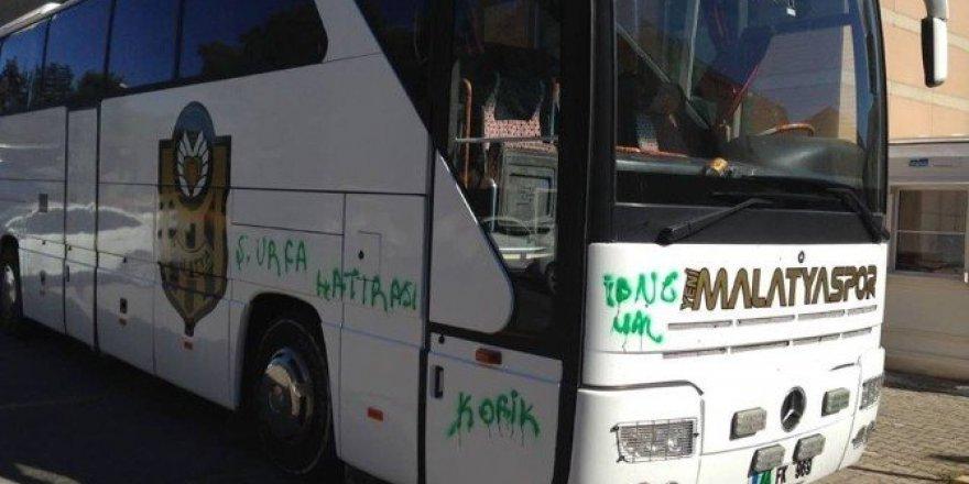 Şanlıurfa'da Yeni Malatyaspor otobüsüne boyalı saldırı