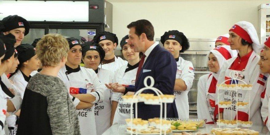 """Başkan Tok: """"İşletmelerin gözü İlkadım Aşçılık Okulu'nda"""""""