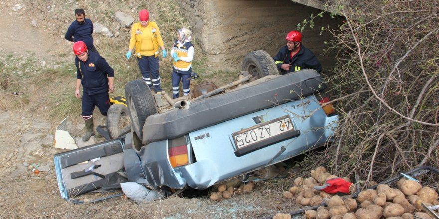 Konya'da otomobil sulama kanalına devrildi: 1 ölü, 1 yaralı