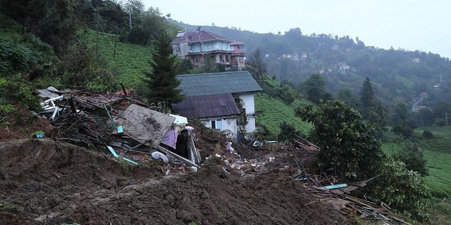 Rize'de toprak kayması: 2 ölü