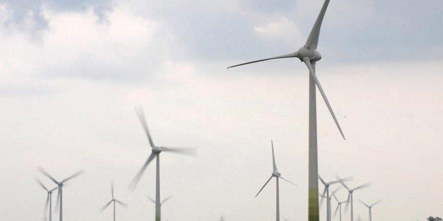 """Azerbaycan'dan """"alternatif enerji"""" hamlesi"""