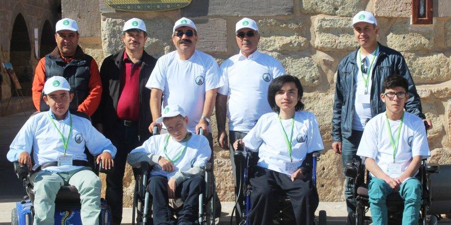 MÜSİAD Konya Şubesi, engelli öğrencileri tarihle buluşturdu