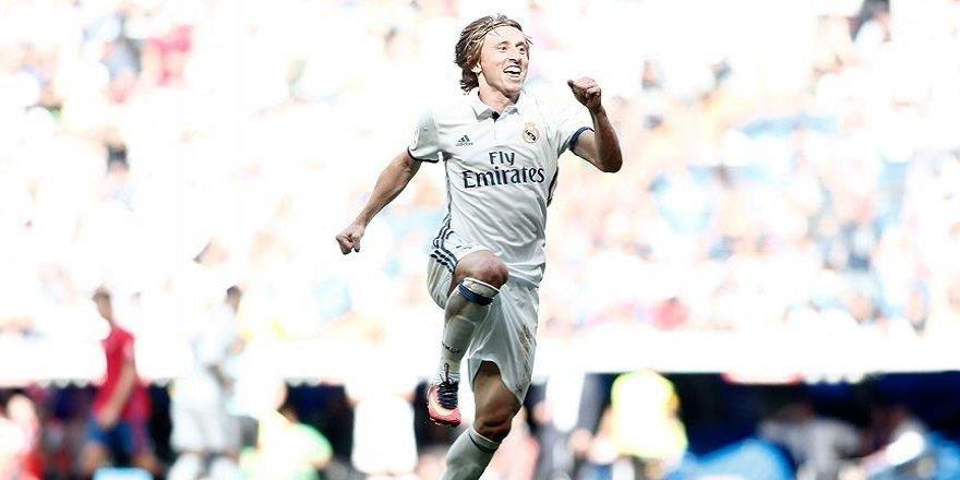 Modric 2020'ye kadar Real Madrid'de