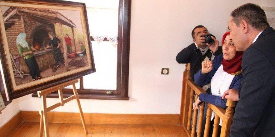 Kent Müzesi'nde resim sergisi açıldı