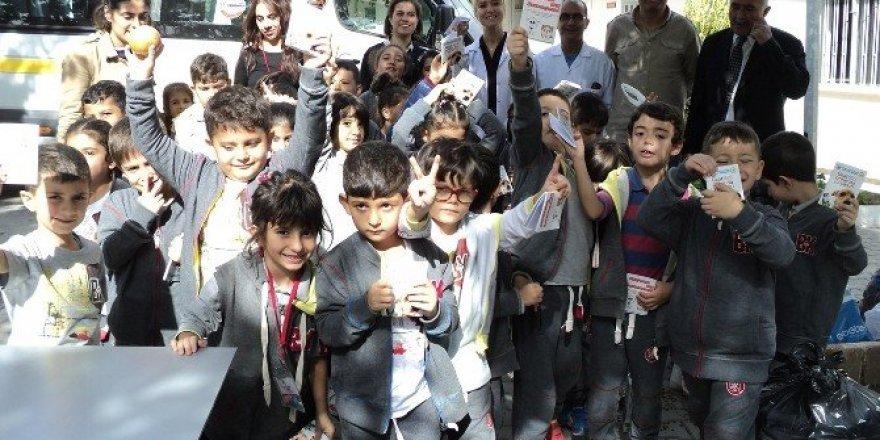 İlkokul öğrencileri hayvan barınağını ziyaret ettiler