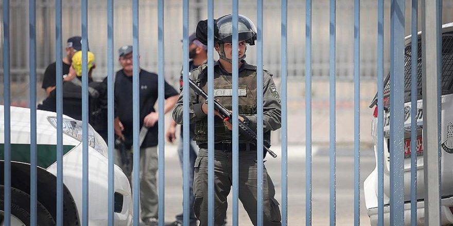 İsrail polisi 2 Filistinli çocuğu gözaltına aldı