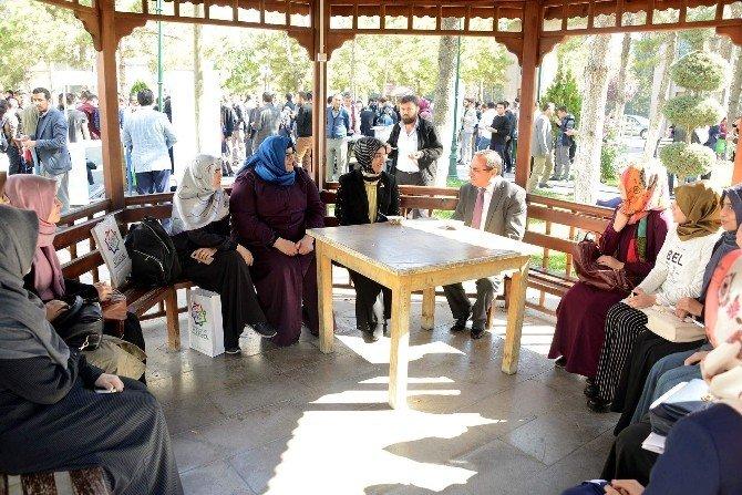 Meram Gençlik Meclisi'nden aşure ikramı