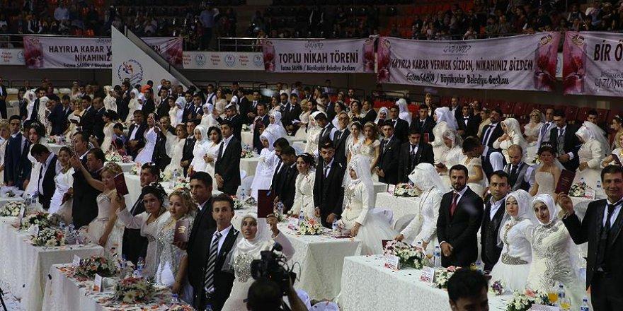 Gaziantep'te 300 çiftin nikahı kıyıldı