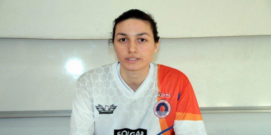 Genç kadın basketbolcu hayatını kaybetti