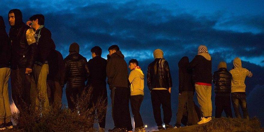 Jungle'daki sığınmacıların endişeli bekleyişi