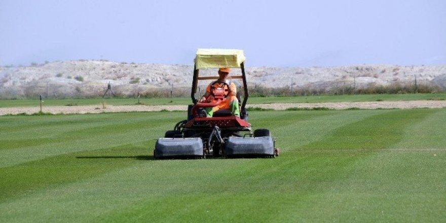 Rulo çim tesisi ekonomiye katkı sağlıyor