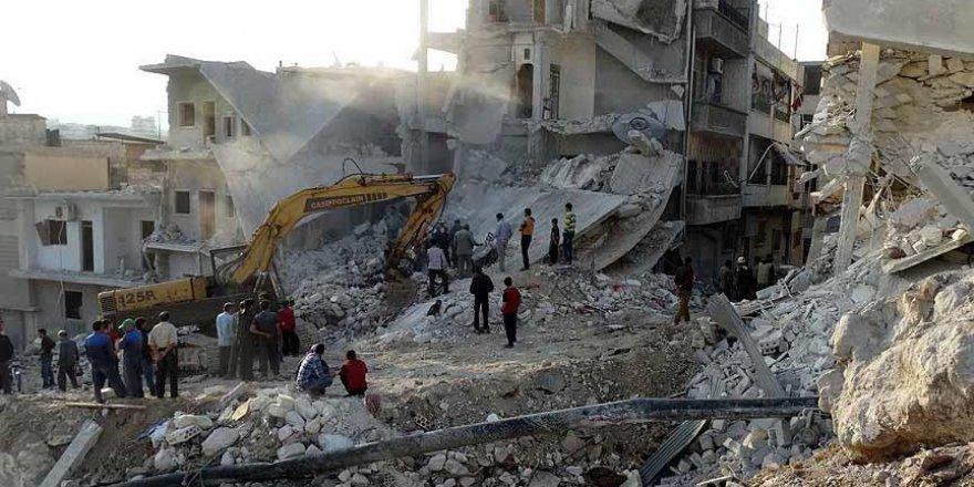 Suriye'de rejim uçaklarının saldırısında 5 kişi öldü
