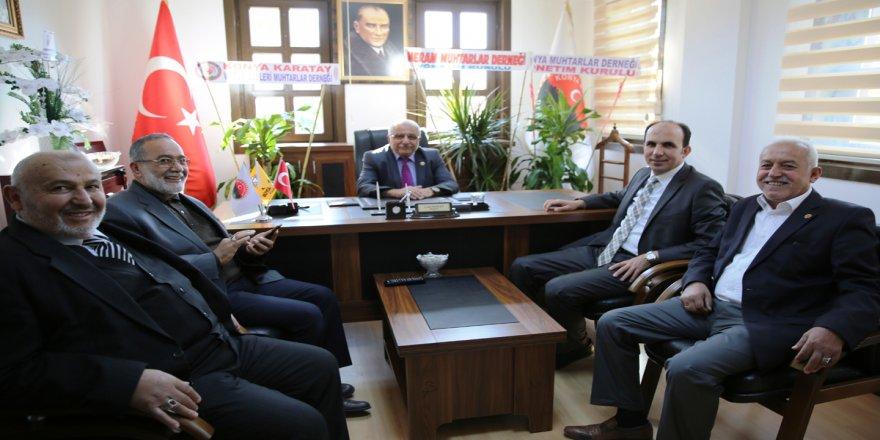 Başkan Altay Muhtarlar Derneğini ziyaret etti