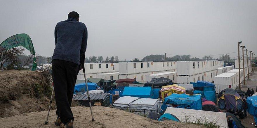 Çok sayıda sığınmacı tahliyesi başlamadan önce Jungle'ı terketti