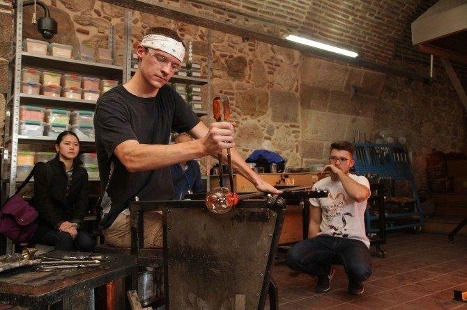 Dünyanın en ünlü cam ustaları tarihi Kurşunlu Külliyesi'nde buluştu