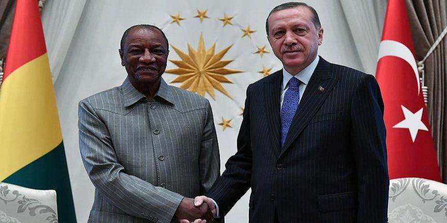 Erdoğan Gine Cumhurbaşkanı Conde ile görüştü