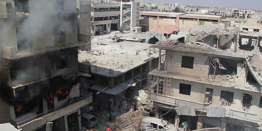 İdlib'de okul ve çarşı bombalandı