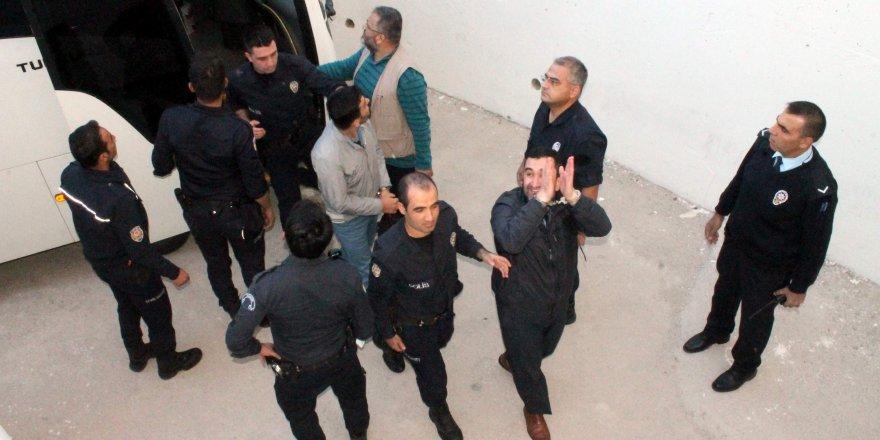 Konya'da FETÖ şüphelisi 45 kişi adliyeye sevk edildi