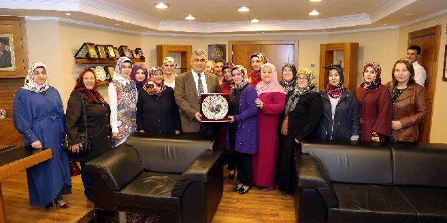 Ereğli AK Parti Kadın Kollarından Başkan Özgüven'e ziyaret