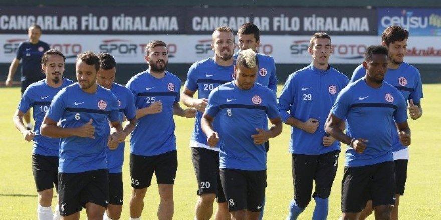 Antalyaspor eksik çalıştı