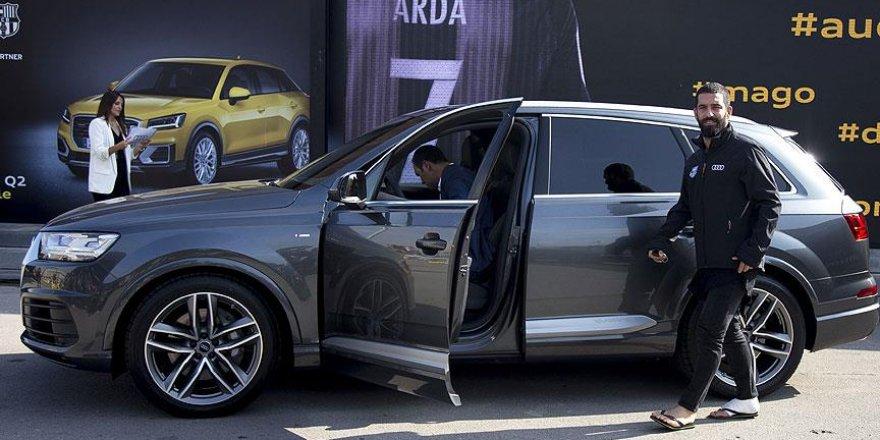 Barcelonalı futbolculara yeni otomobil