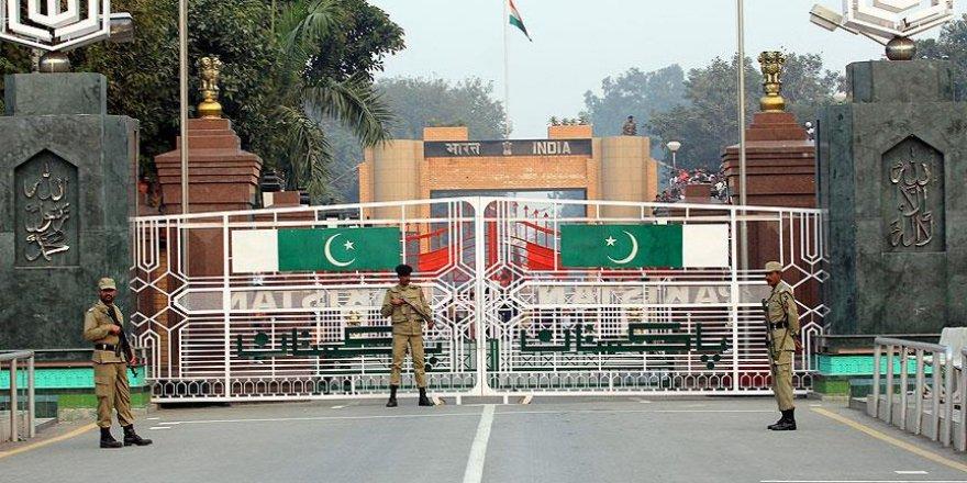 Pakistan Hintli diplomatı sınır dışı edecek