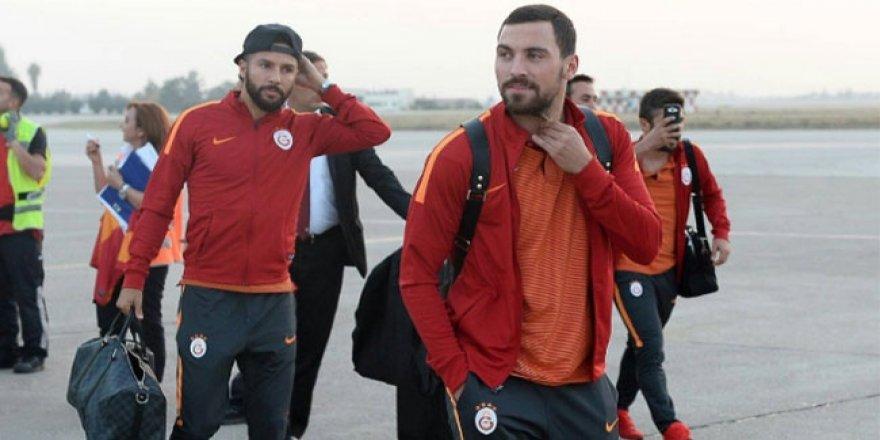 Galatasaray kafilesi Adana'da