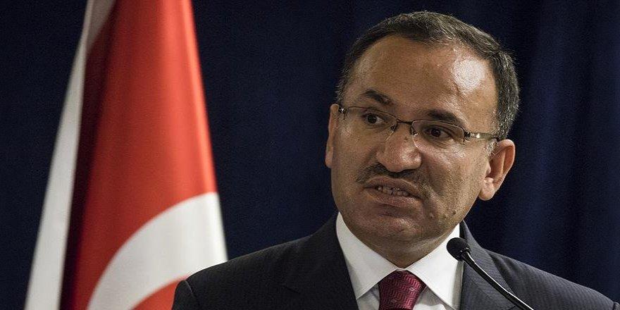 """Adalet Bakanı Bozdağ: """"Gazetecilik faaliyeti nedeniyle tutuklu yok"""""""