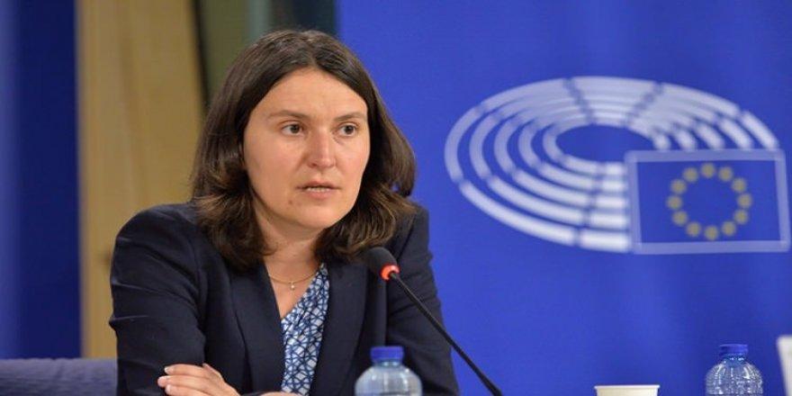 AP Türkiye Raportörü Piri'den itiraf geldi! Yanlıştı