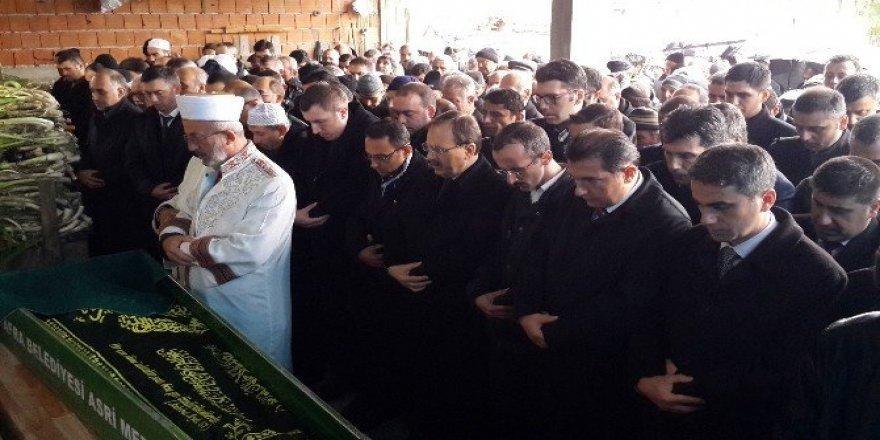 Kazada ölen Kur'an kursu öğreticisi toprağa verildi
